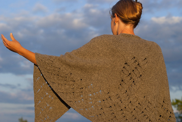 Image from the pattern page - not mine. Click here for the Jane Eyre Shawl of beauteous beauty.