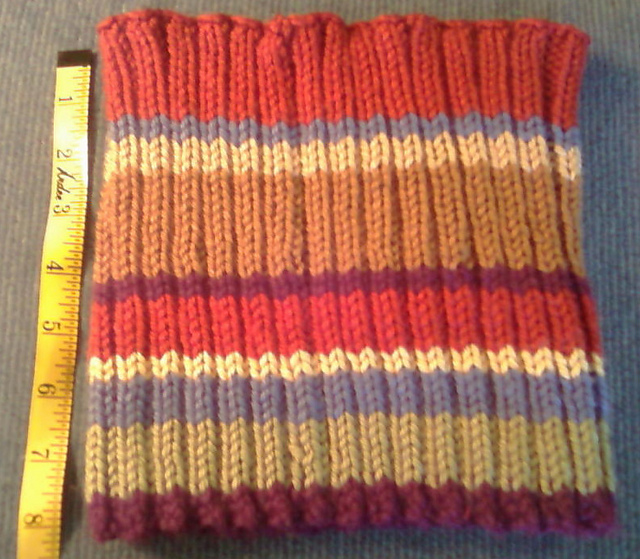 Doctor Who Ribbed Cowl - Knitter Nerd